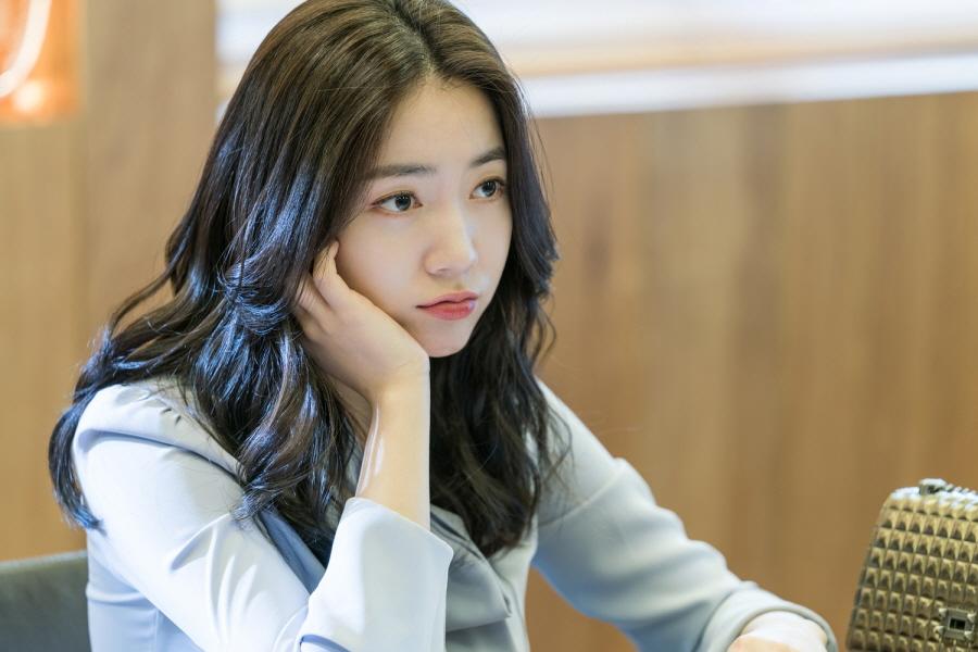 Lên phim quá bốc lửa, Hwayoung phá đảo lượt view, đứng đầu top tìm kiếm Hàn Quốc - Ảnh 15.