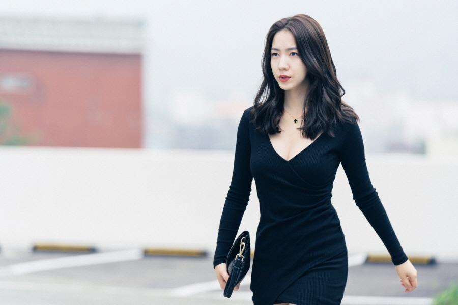 Lên phim quá bốc lửa, Hwayoung phá đảo lượt view, đứng đầu top tìm kiếm Hàn Quốc - Ảnh 16.