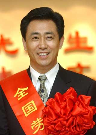 Đời sống: Từ trẻ mồ côi thành người giàu nhất Trung Quốc