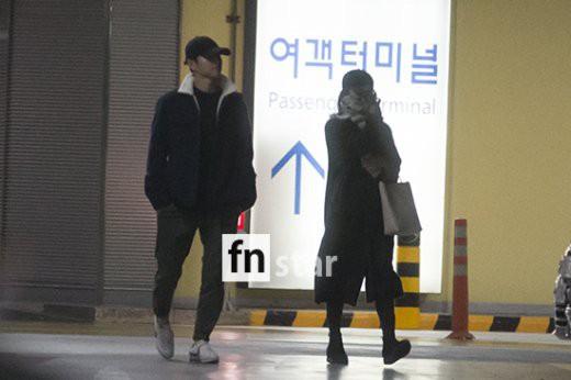 Clip: Song Joong Ki và Song Hye Kyo về nước sau tuần trăng mật, nhưng sao xa cách thế này? - Ảnh 6.