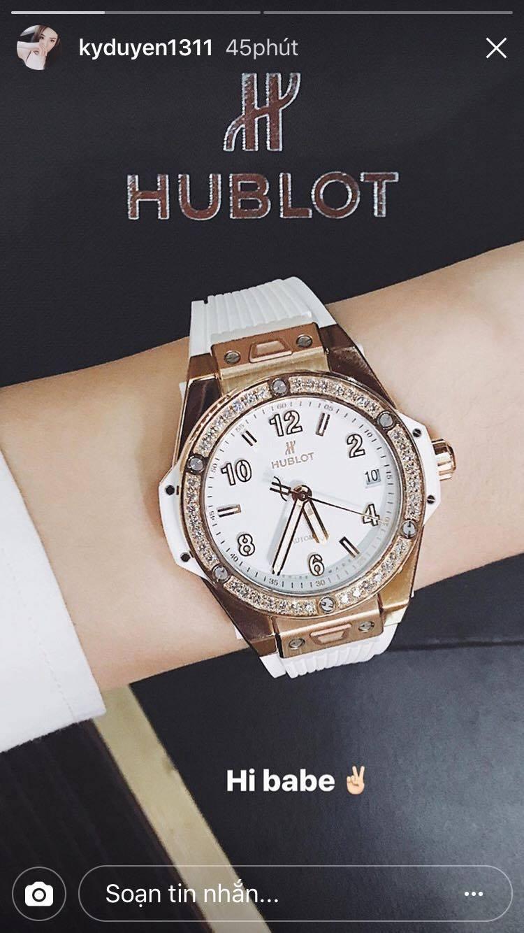 Kỳ Duyên gây chú ý khi khoe đồng hồ mới trị giá hơn 600 triệu đồng - Ảnh 1.