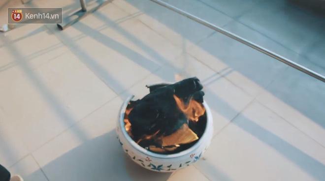 Cô bạn 10x mang sneakers, áo, vòng được bạn trai cũ tặng đi hỏa khiến cộng đồng HNBMG xôn xao - Ảnh 7.