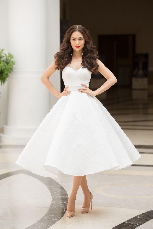 Hoàng Thùy - Mâu Thủy phong cách đối lập trong ngày thi phỏng vấn Hoa hậu Hoàn vũ - Ảnh 3.