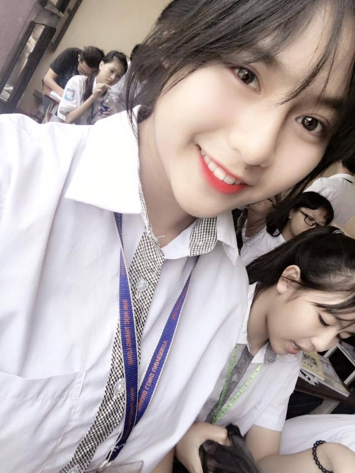 Nữ sinh THPT Hưng Yên gây sốt nhờ nụ cười trong veo - Ảnh 2.