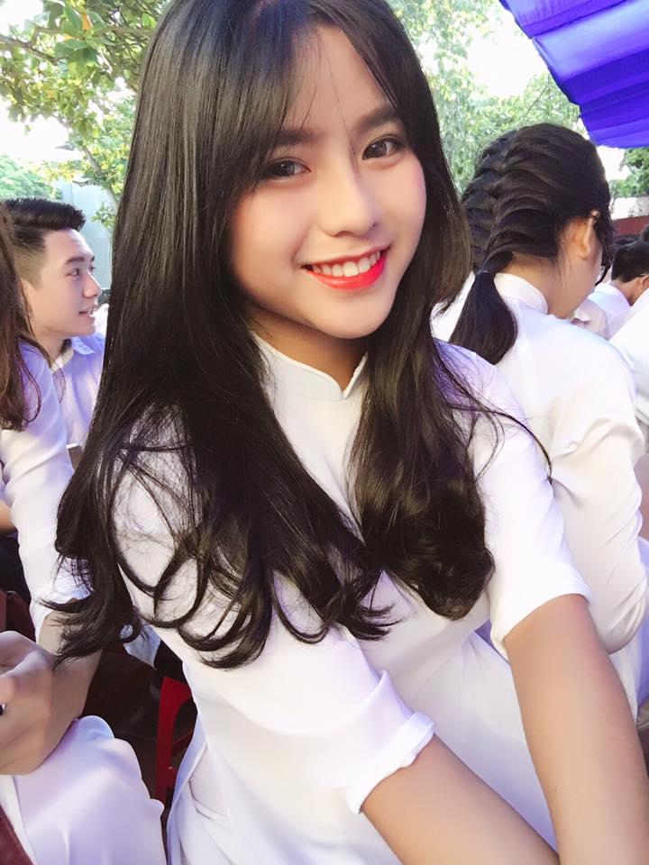 Nữ sinh THPT Hưng Yên gây sốt nhờ nụ cười trong veo - Ảnh 5.