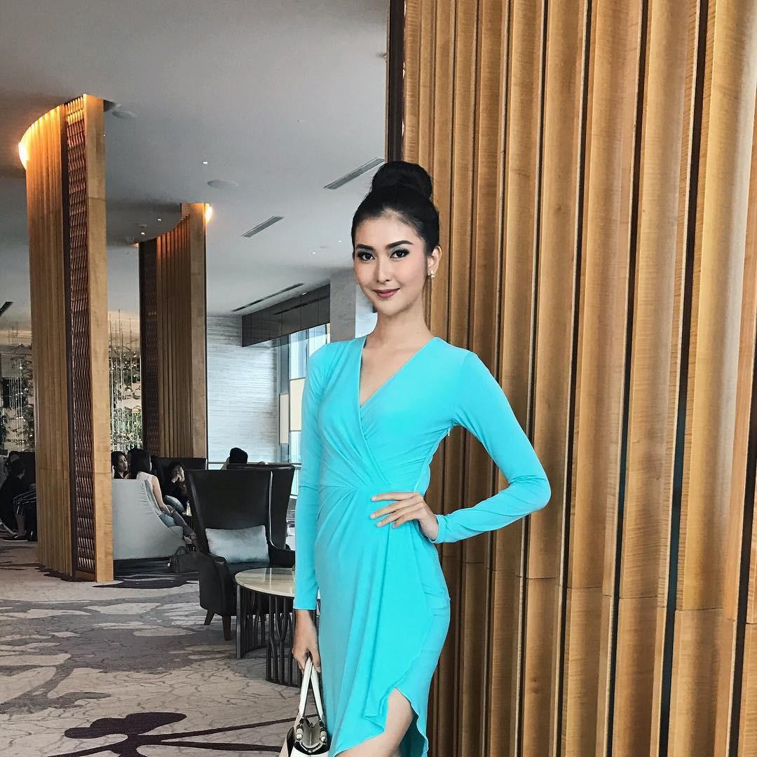 Nhan sắc xinh đẹp của đại diện Indonesia, cô gái đánh bại hơn 70 đối thủ vừa đăng quang Miss International 2017 - Ảnh 10.