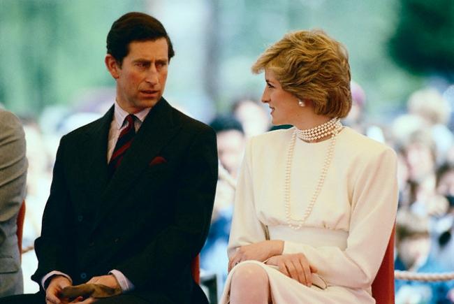 Phía sau đám cưới cổ tích là chuyện tình bi thương và cuộc đời đẫm nước mắt của Công nương Diana - Ảnh 11.
