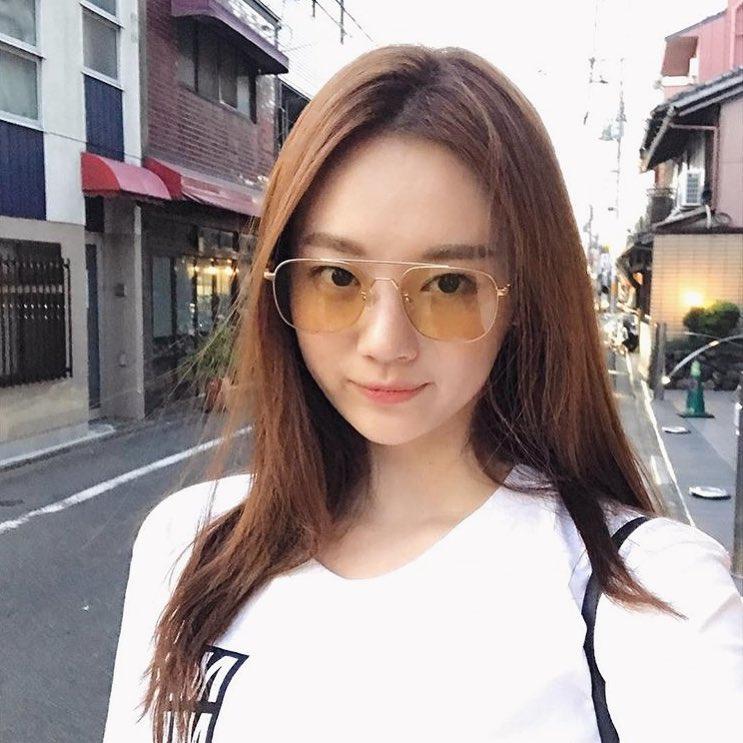 Sau Gentle Monster, giới trẻ Hàn đang đắm đuối với 2 thương hiệu kính mắt rẻ hơn mà cực cool này - Ảnh 25.