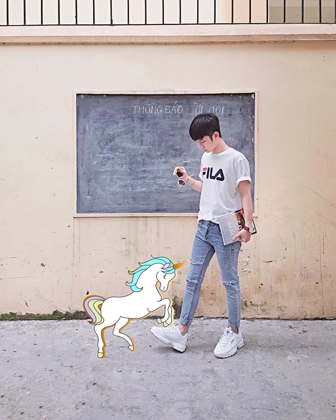 Giới trẻ châu Á người người nhà nhà đang diện T-shirt và sneaker Fila chất phát ngất ra sao? - Ảnh 12.