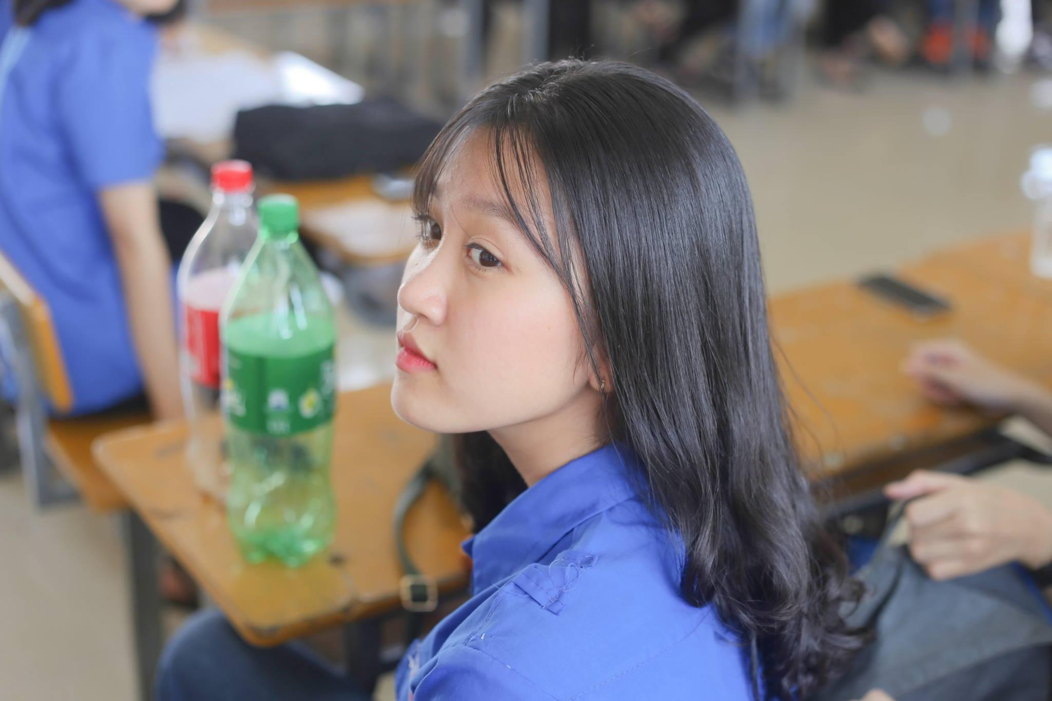 Hoá ra trường chuyên ĐH Vinh (Nghệ An) cũng nhiều con gái xinh ghê! - Ảnh 8.