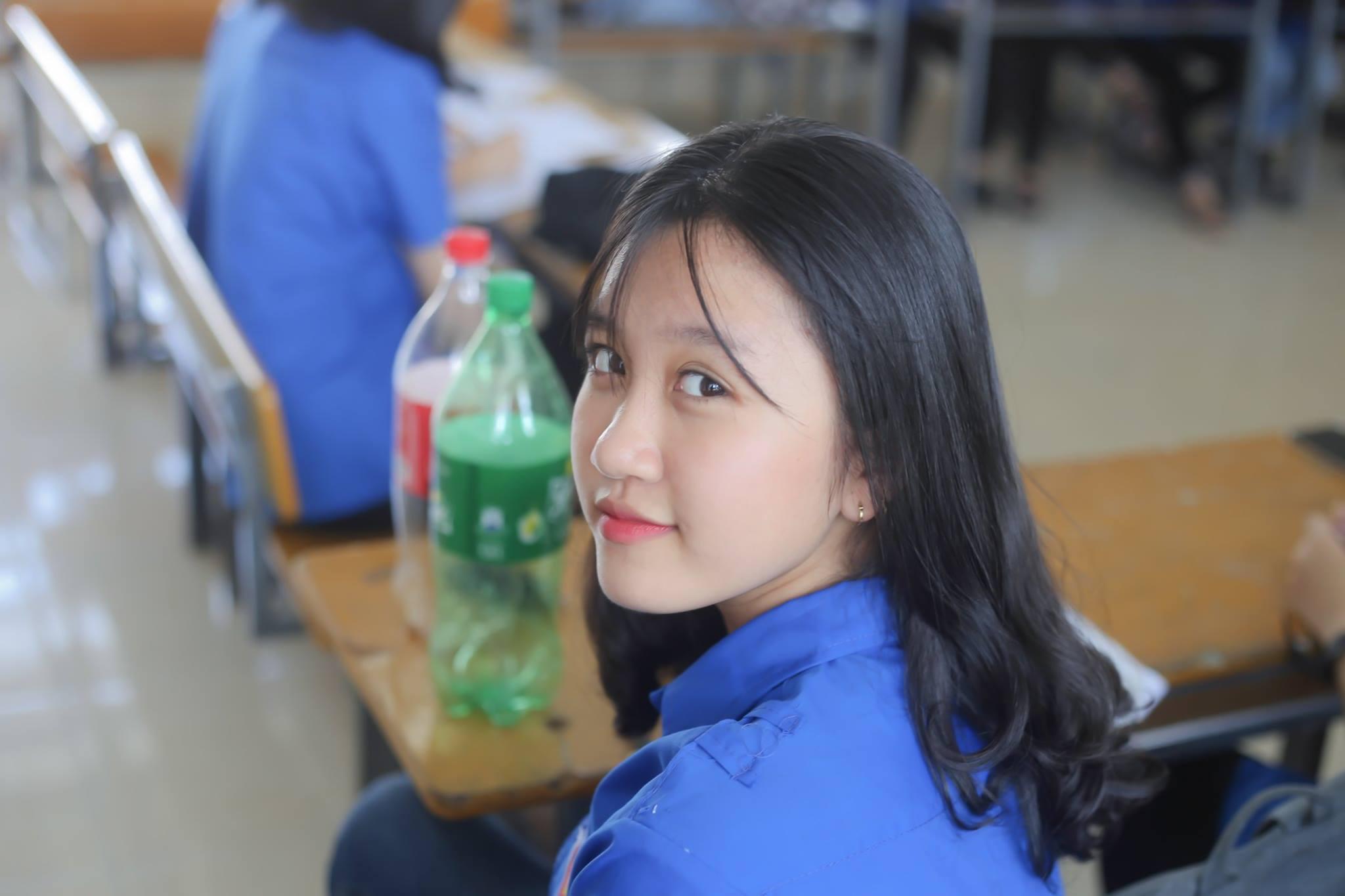 Hoá ra trường chuyên ĐH Vinh (Nghệ An) cũng nhiều con gái xinh ghê! - Ảnh 9.