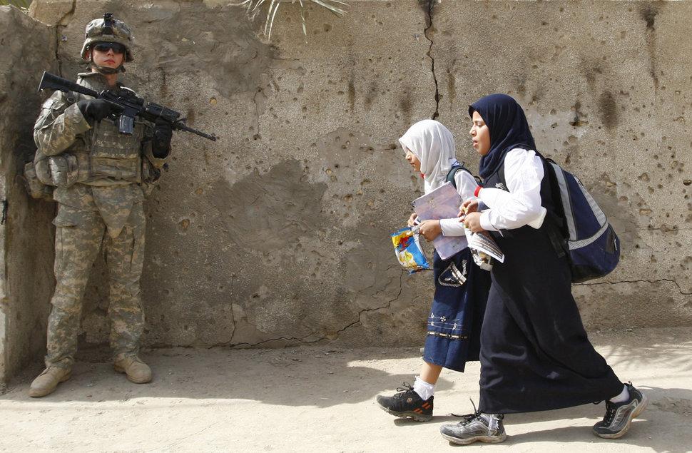 Quốc tế con gái 11/10: Hành trình đến trường gian nan của những bé gái trên toàn thế giới - Ảnh 4.