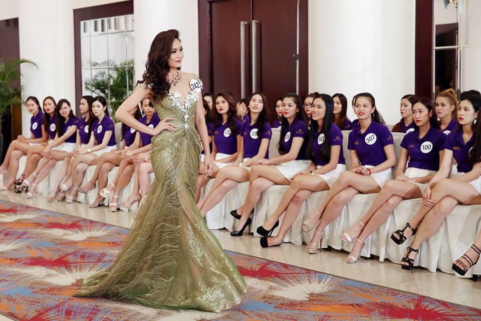 Mâu Thủy bất ngờ rớt khỏi top thí sinh xuất sắc nhất Hoa hậu Hoàn vũ chỉ vì sợ độ cao - Ảnh 3.