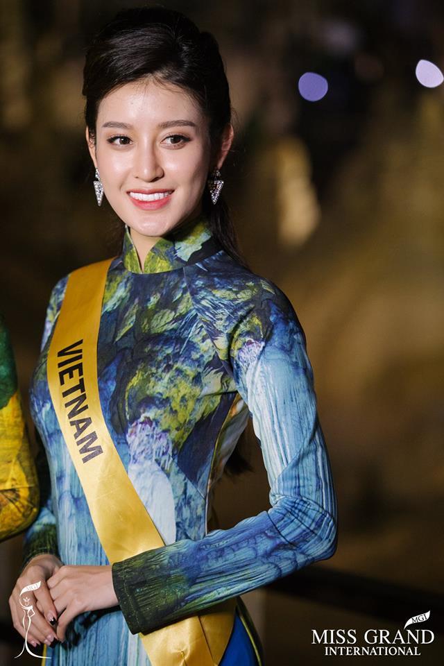 Huyền My xinh đẹp đọ sắc cùng các thí sinh Miss Grand International tại động Thiên Đường - Ảnh 7.