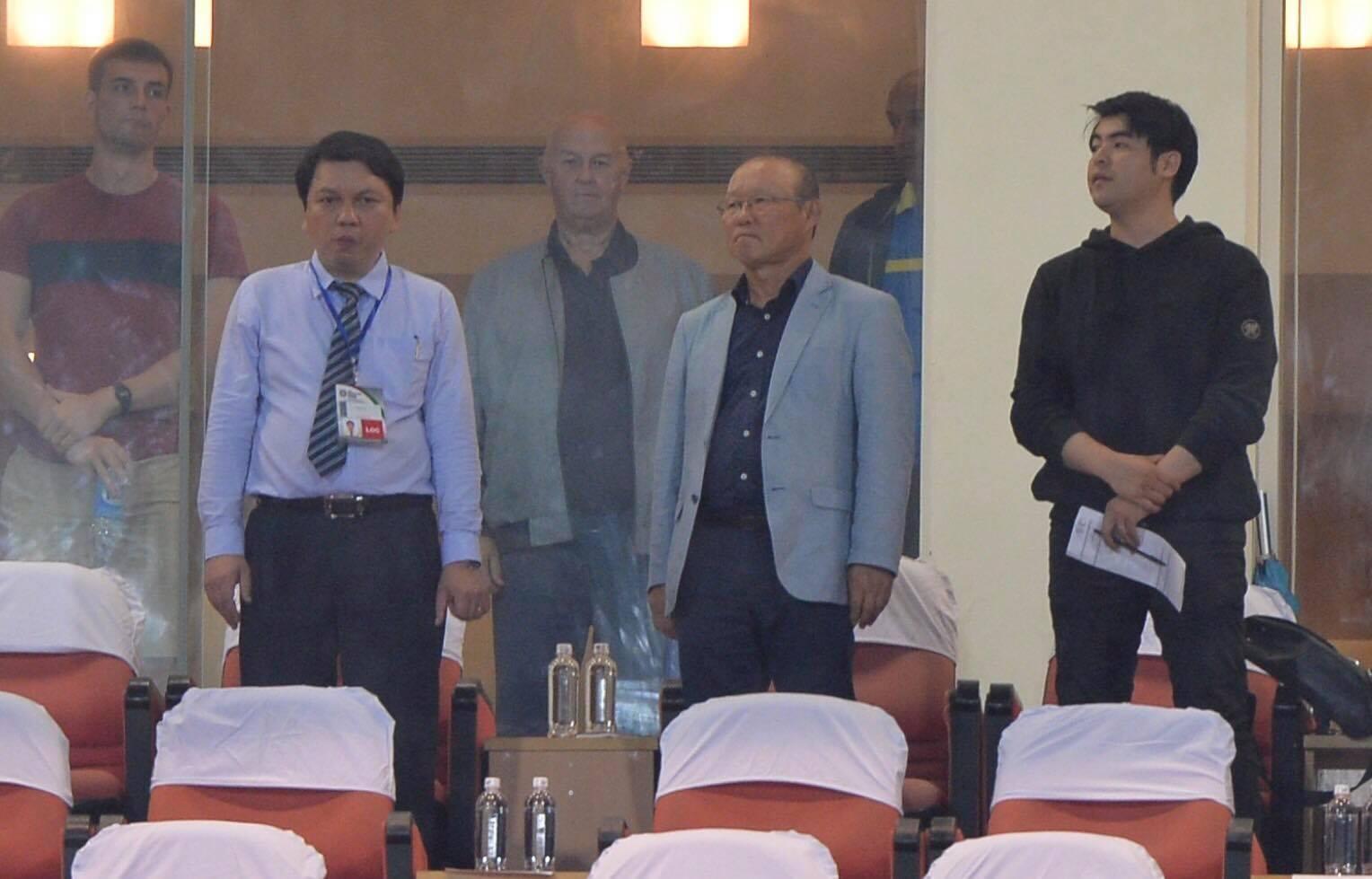 HLV Mai Đức Chung: Mong HLV Hàn Quốc giúp Việt Nam dự Asian Cup - Ảnh 2.