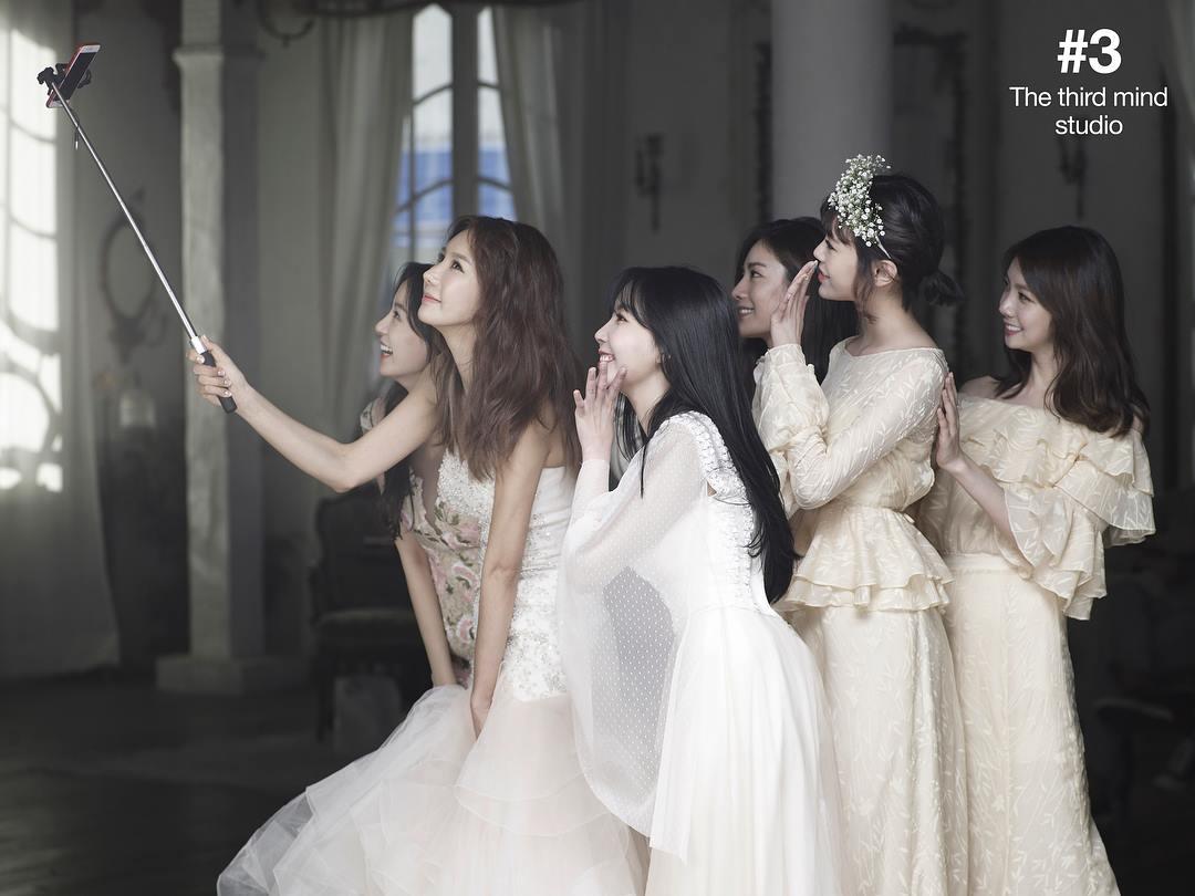 Hình cưới của cựu thành viên After School gây bão: Toàn phù dâu mỹ nhân chân dài, đẹp như poster MV