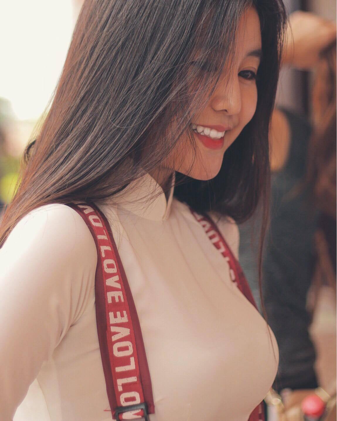 Nữ sinh 10X Sài Thành bị săm soi vì sở hữu vòng 1 đẫy đà - Ảnh 3.