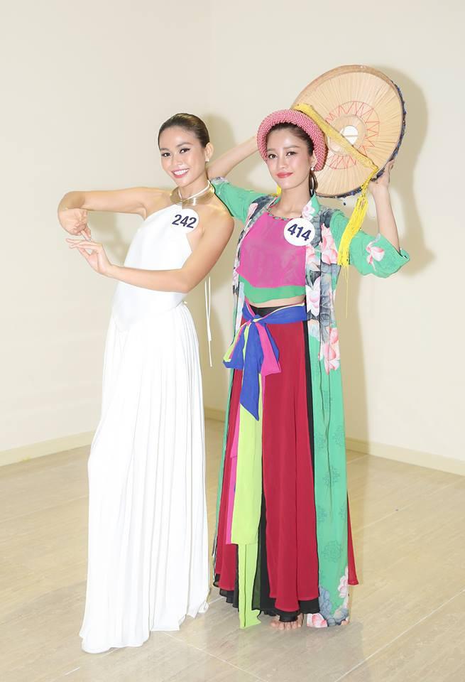 Hoàng Thùy bị nhận xét hát như... tra tấn giám khảo, Mâu Thủy ghi điểm với tài năng múa tại Hoa hậu Hoàn vũ VN - Ảnh 4.