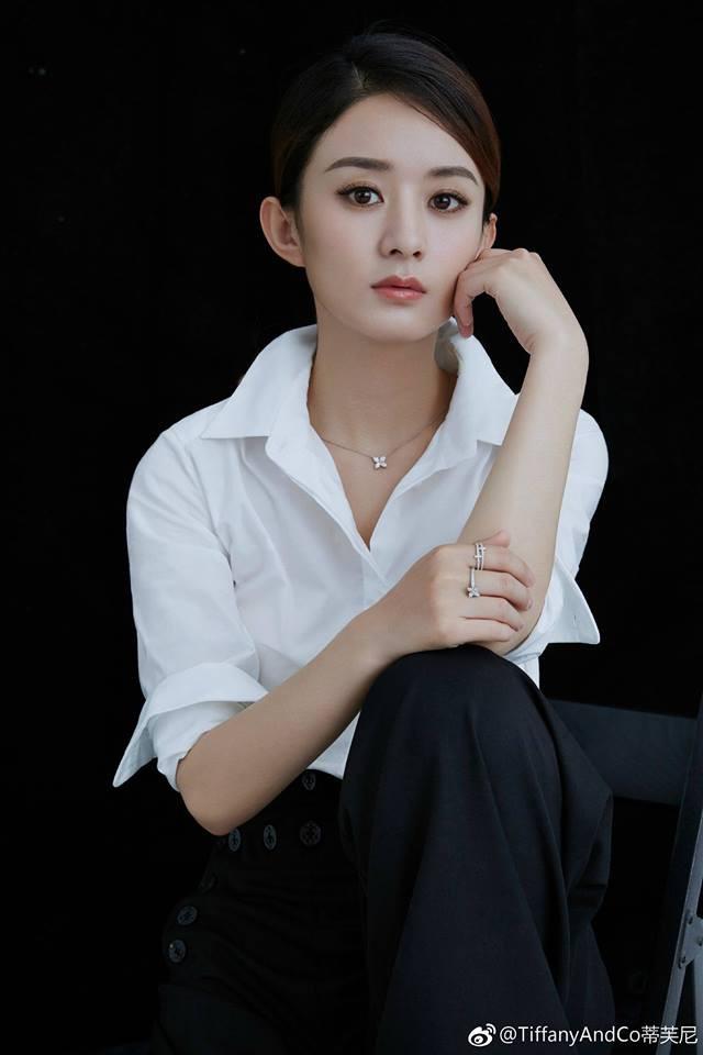 Sao Hoa Ngữ: Top mỹ nhân Cbiz được yêu thích nhất năm 2017: Lưu Diệc Phi nhường bước, Dương Mịch - Phạm Băng Băng không có tên