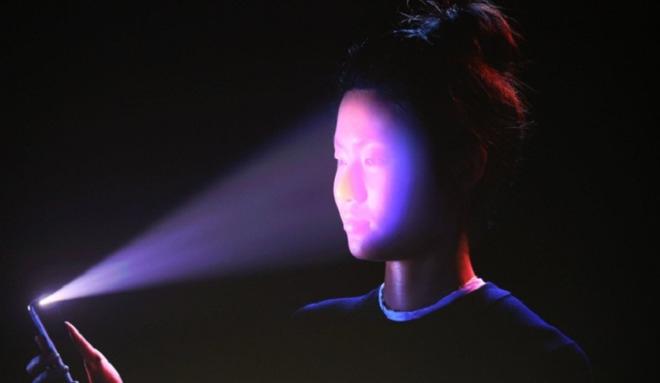 Apple ăn gian iPhone X: Cố tình giảm chất lượng camera quét khuôn mặt để kịp bán máy? - Ảnh 2.