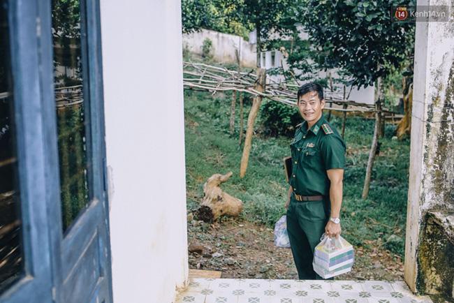 Humans Of Hanoi và chiến dịch gây quỹ nghĩa tình gửi đến những em học trò của thầy Trần Bình Phục - Ảnh 2.