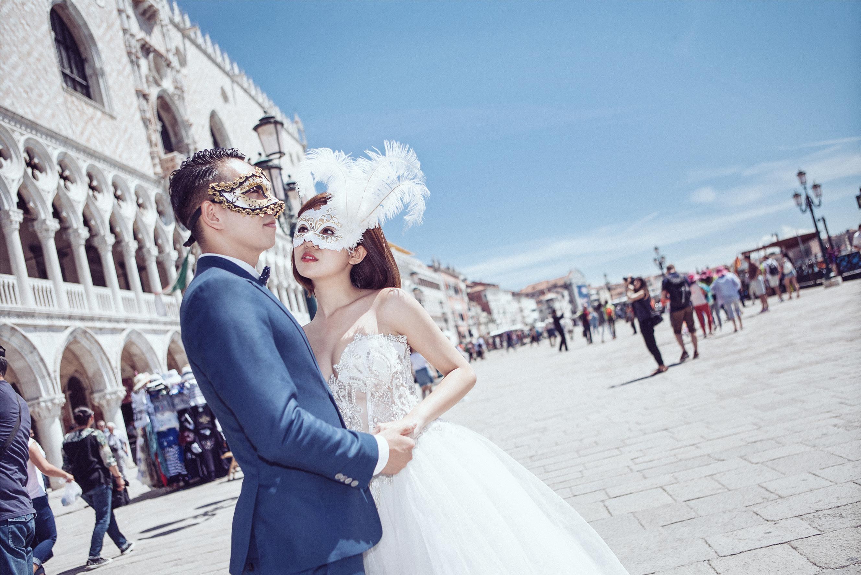 Khoe ảnh cưới sang chảnh ở Pháp - Ý, hot girl Tú Linh tiết lộ