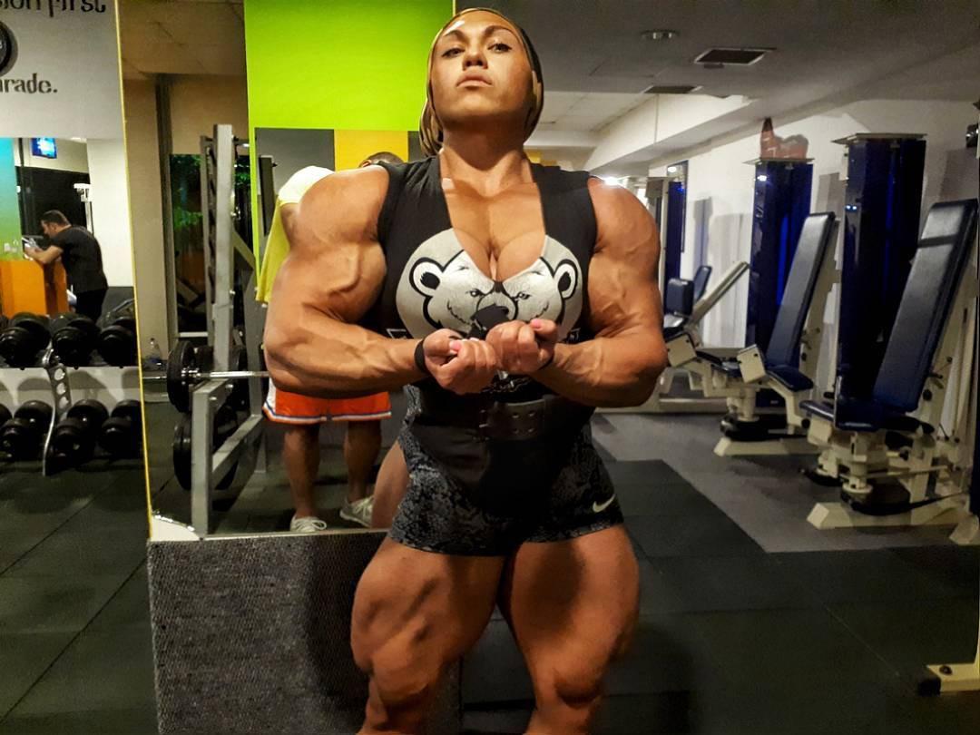 Cơ bắp cuồn cuộn của nữ VĐV thể hình vô địch châu Âu - Ảnh 11.