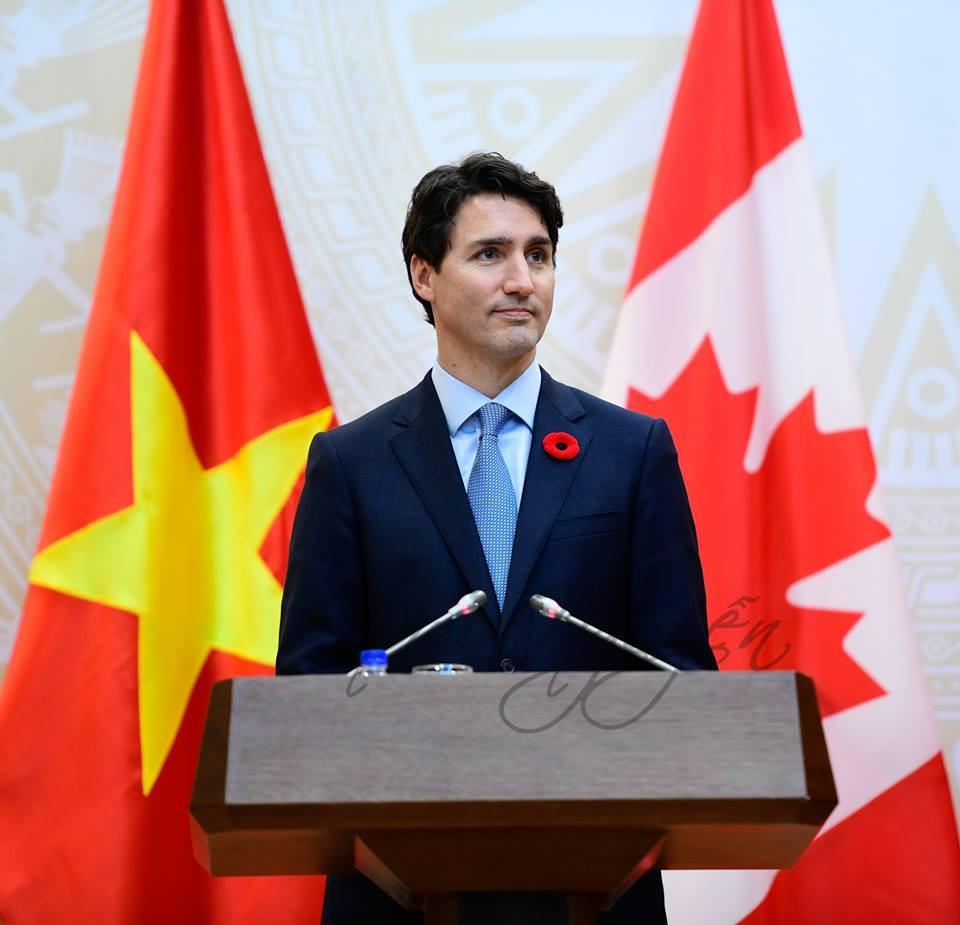 Nổi tiếng bởi vẻ điển trai và lịch lãm, khi đặt chân tới Việt Nam, Thủ tướng Canada lại càng khiến mọi người phải trầm trồ - Ảnh 6.
