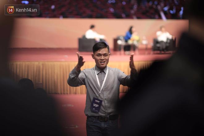 """Chàng trai fan cuồng"""" trong talkshow với Jack Ma tiết lộ: Bạn bè ai cũng nói tôi giống ông ấy! - Ảnh 5."""