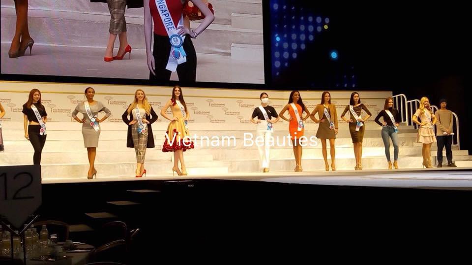 Chưa khỏi hẳn bệnh thủy đậu, Thùy Dung đeo khẩu trang tham gia tổng duyệt đêm chung kết Miss International 2017 - Ảnh 1.