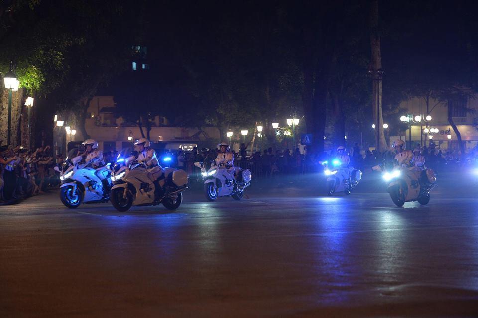 Tổng thống Mỹ Donald Trump đến Hà Nội, an ninh thắt chặt ở các tuyến phố trung tâm - Ảnh 21.
