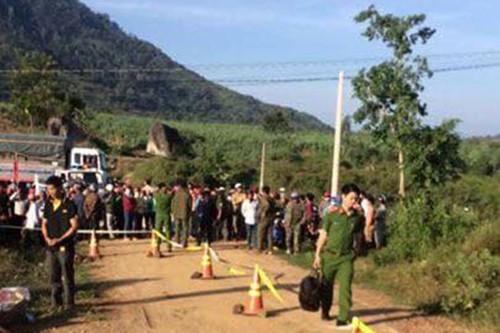 Đắk Lắk: Người phụ nữ bị sát hại dã man, thi thể bị bó trong bạt vứt xuống cống nước - Ảnh 2.
