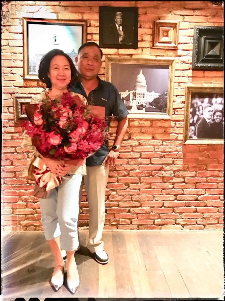 Mẹ Trấn Thành xúc động khi được con dâu Hari Won tổ chức tiệc sinh nhật