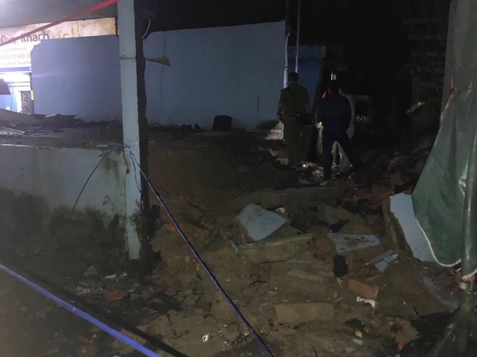 Huế: Sập nhà sau tiếng sét lớn, 3 người trong gia đình bị thương - Ảnh 3.