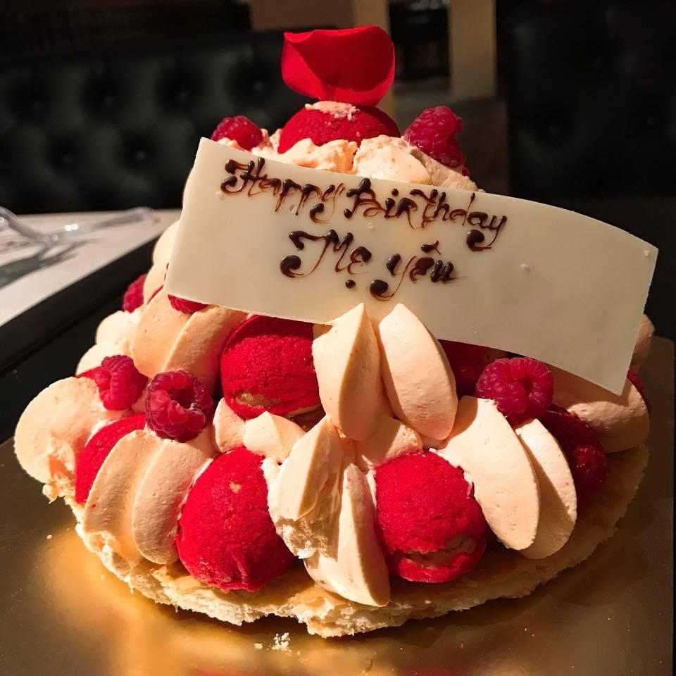 Mẹ Trấn Thành xúc động khi được con dâu Hari Won tổ chức sinh nhật bất ngờ - Ảnh 2.
