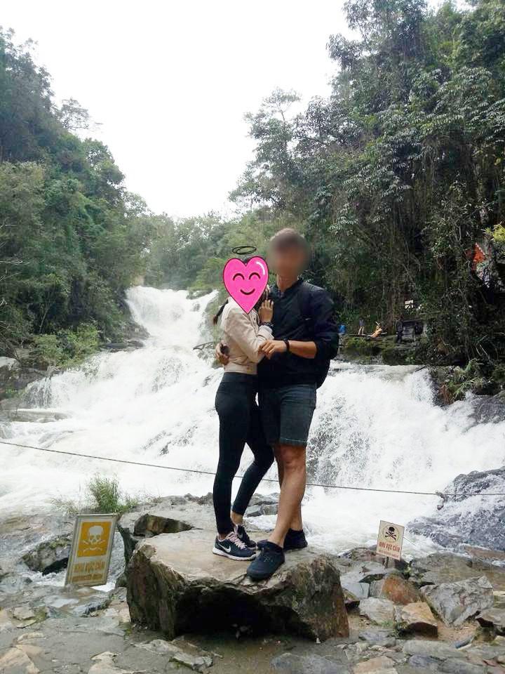 Chú rể Tây soái ca trong bức ảnh gây sốt ở Nha Trang bị lật tẩy lừa dối người yêu hiện tại, bắt cá hai tay - Ảnh 3.