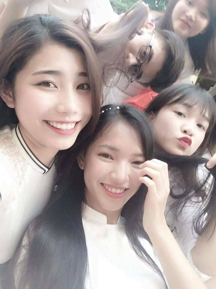 Hình ảnh mũm mĩm, ngố tàu của hot girl Việt thời còn là học sinh cấp 3 - Ảnh 15.