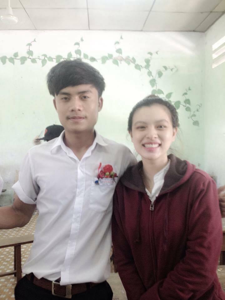Hình ảnh mũm mĩm, ngố tàu của hot girl Việt thời còn là học sinh cấp 3 - Ảnh 8.