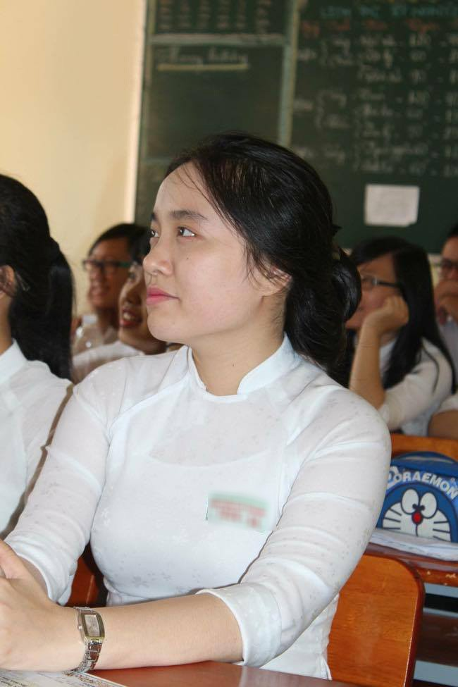 Hình ảnh mũm mĩm, ngố tàu của hot girl Việt thời còn là học sinh cấp 3 - Ảnh 2.