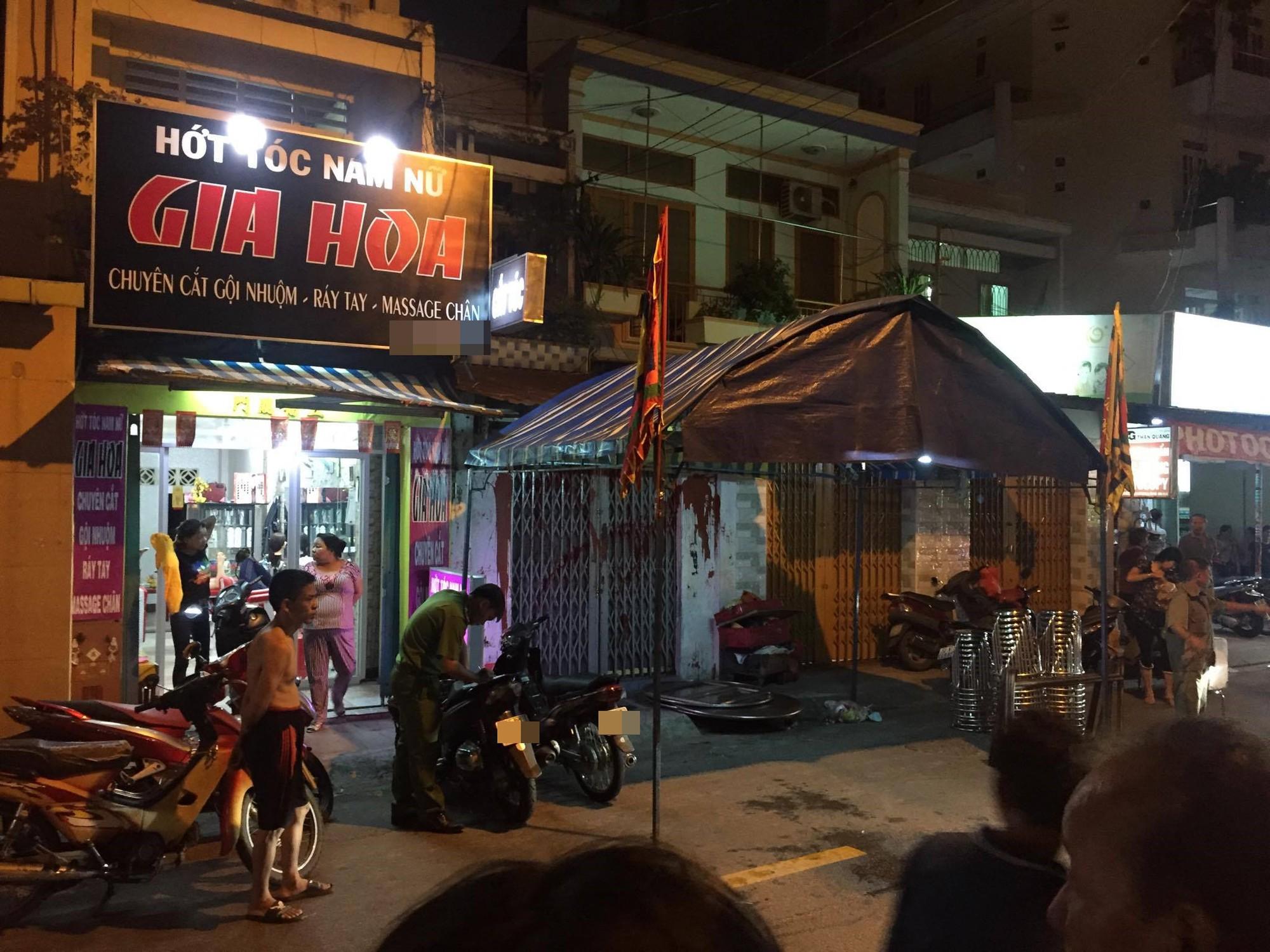 Đang đi mua bánh, bé trai 6 tuổi bị bảo vệ dân phố dùng dao sát hại giữa đường Sài Gòn - Ảnh 3.