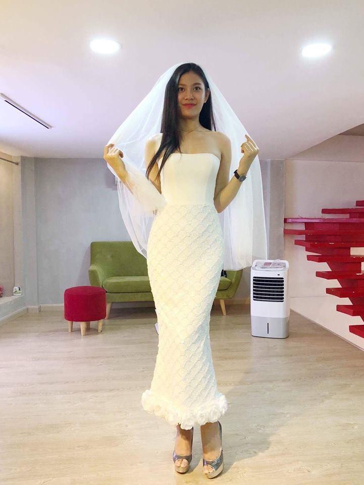 Chúng Huyền Thanh mặc đầm lộng lẫy, rạng rỡ đi chụp ảnh cưới với bạn trai - Ảnh 4.