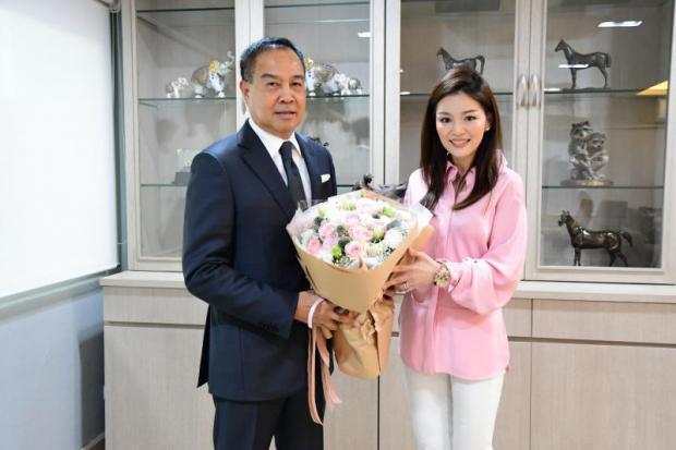 Nữ trưởng đoàn xinh đẹp của Thái Lan thất vọng vì mất việc - Ảnh 1.
