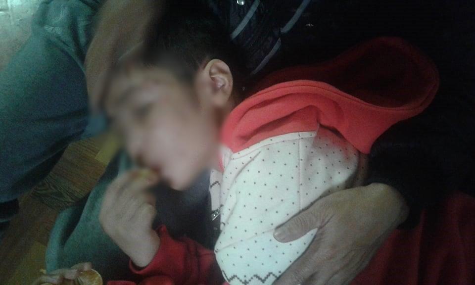 Cậu bé 10 tuổi bị bố ruột và mẹ kế đánh rạn sọ não: Đó vẫn là bố của con, xin đừng bắt bố đi tù - Ảnh 1.