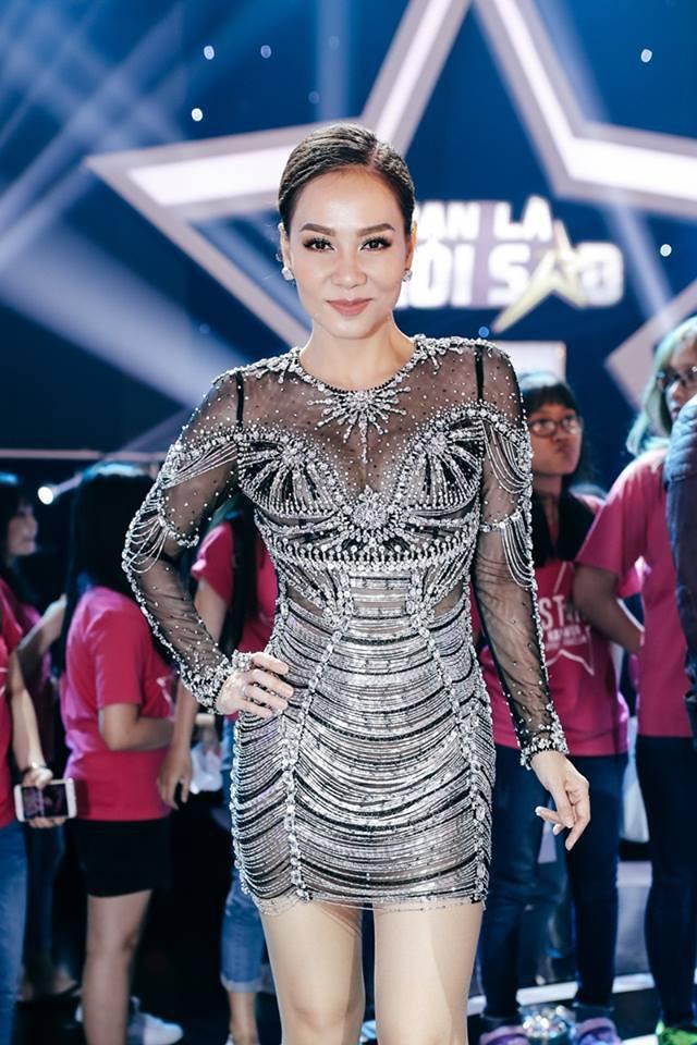 Váy sexy trưởng thành của Quỳnh Anh Shyn hóa ra được diva Thu Minh mặc từ 5 tháng trước - Ảnh 5.