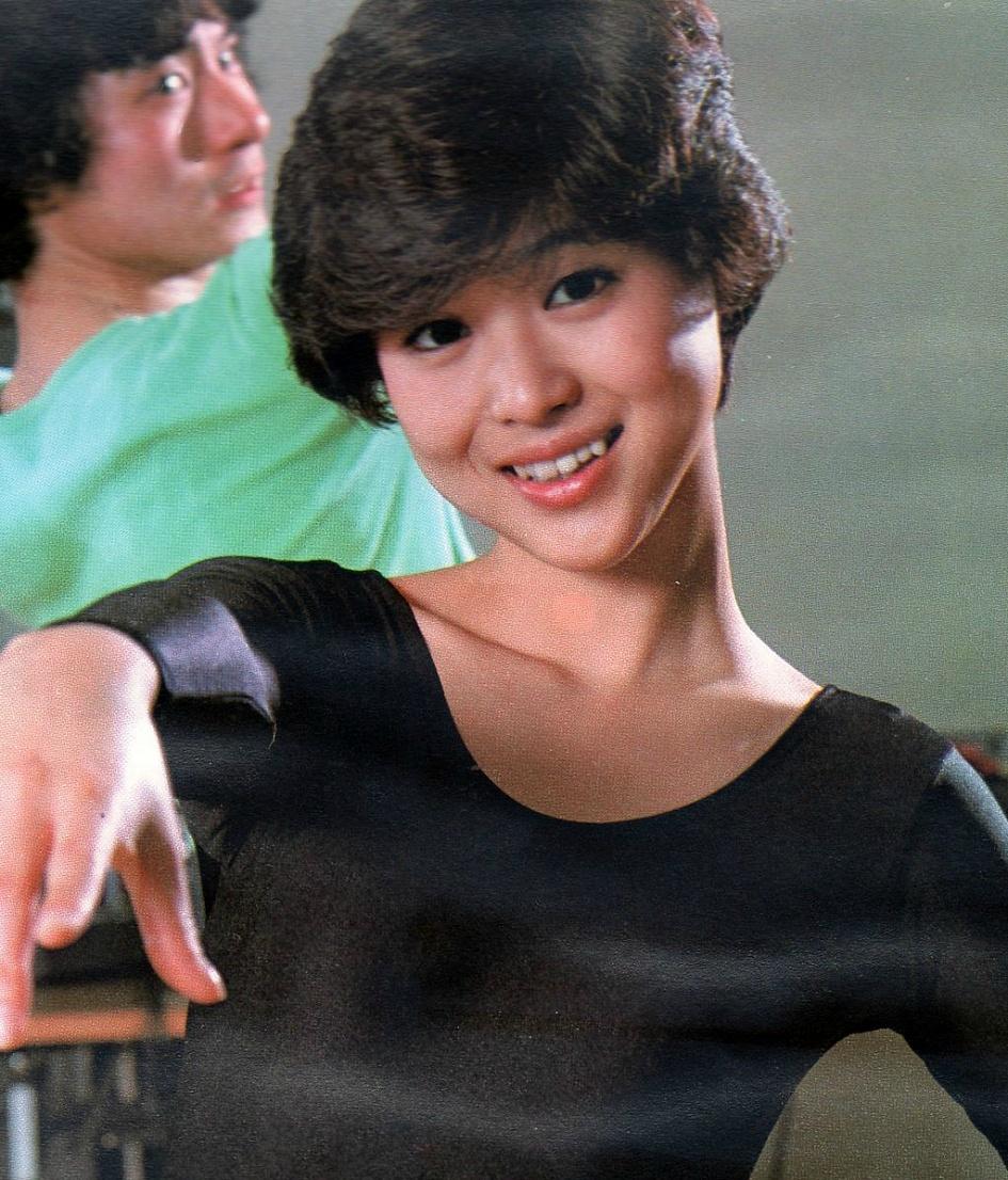 Hơn 30 năm trước tại Nhật đã xuất hiện mỹ nhân hội tụ vẻ đẹp của cả Sulli, Seolhyun và Park Bo Young - Ảnh 9.