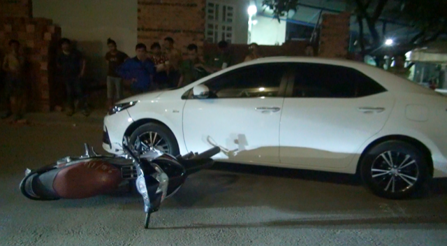 Nam thanh niên gọi 20 đối tượng đến hỗn chiến sau va chạm giao thông, 1 người bị thương nặng - Ảnh 1.