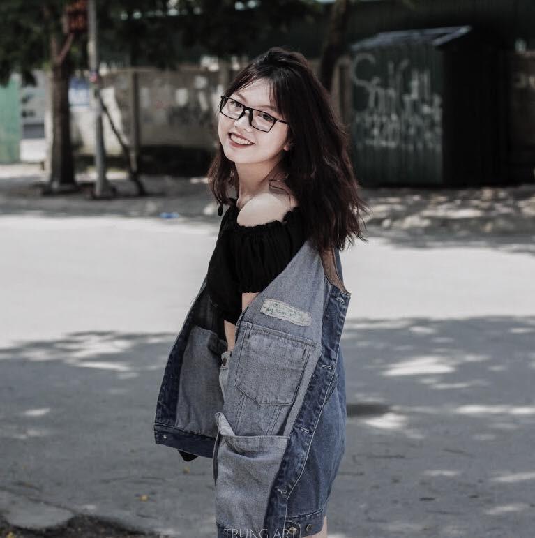 Cô bạn 10x mang sneakers, áo, vòng được bạn trai cũ tặng đi hỏa khiến cộng đồng HNBMG xôn xao - Ảnh 3.