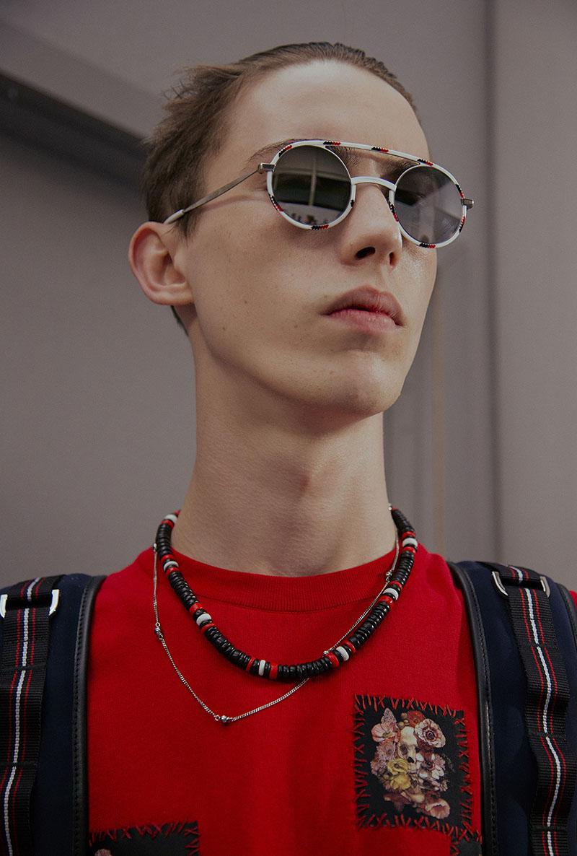 Hè này nếu định sắm kính, nhất định phải sắm kính tròn gọng kim loại cho bằng bạn bằng bè - Ảnh 24.