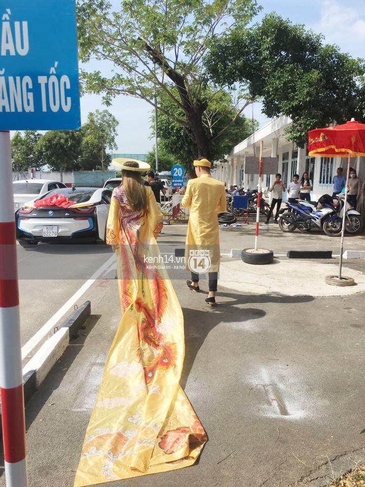 Loạt ảnh cận cảnh cô dâu Lâm Khánh Chi diện áo dài long phụng quét đất về nhà chồng - Ảnh 5.