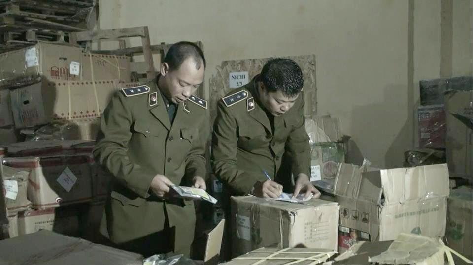Hà Nội: Phát hiện 4 tấn trà sữa trân châu không rõ nguồn gốc chuẩn bị được chuyển vào Đà Nẵng - Ảnh 1.